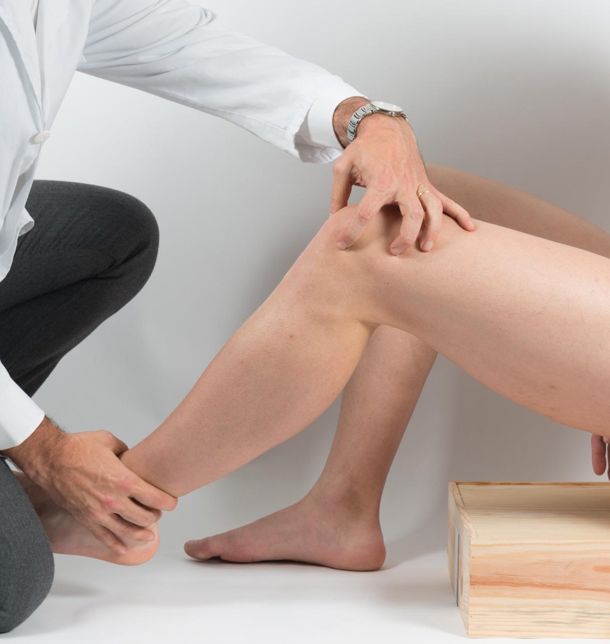 Exploración rodilla, traumatología deportiva en Barcelona