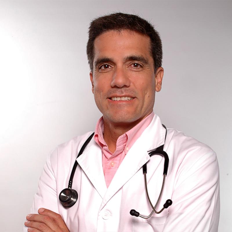 Dr. Julio Romero, especialista en medicina deportiva